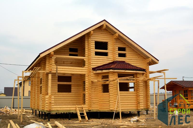 Деревянное домостроение из бревна