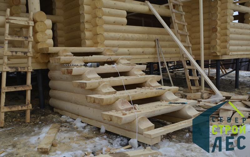 Лестница в деревянный дом