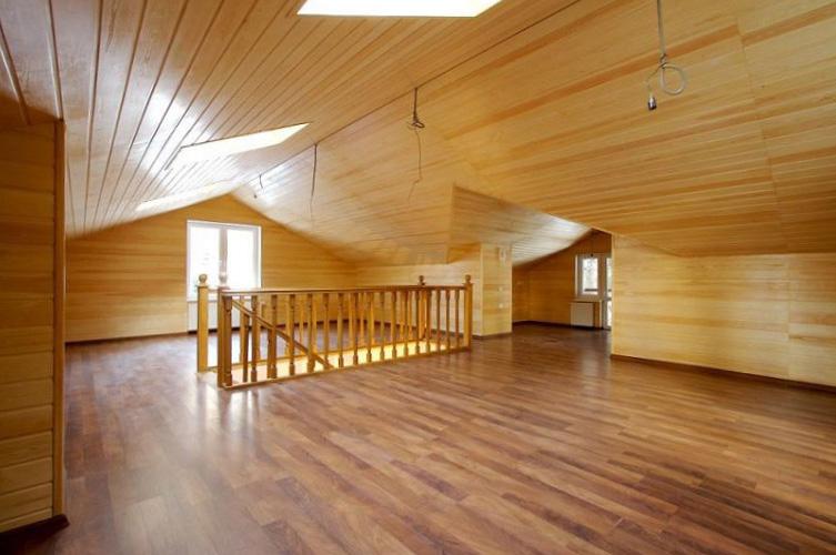 Обшить потолок в деревянном доме - 1
