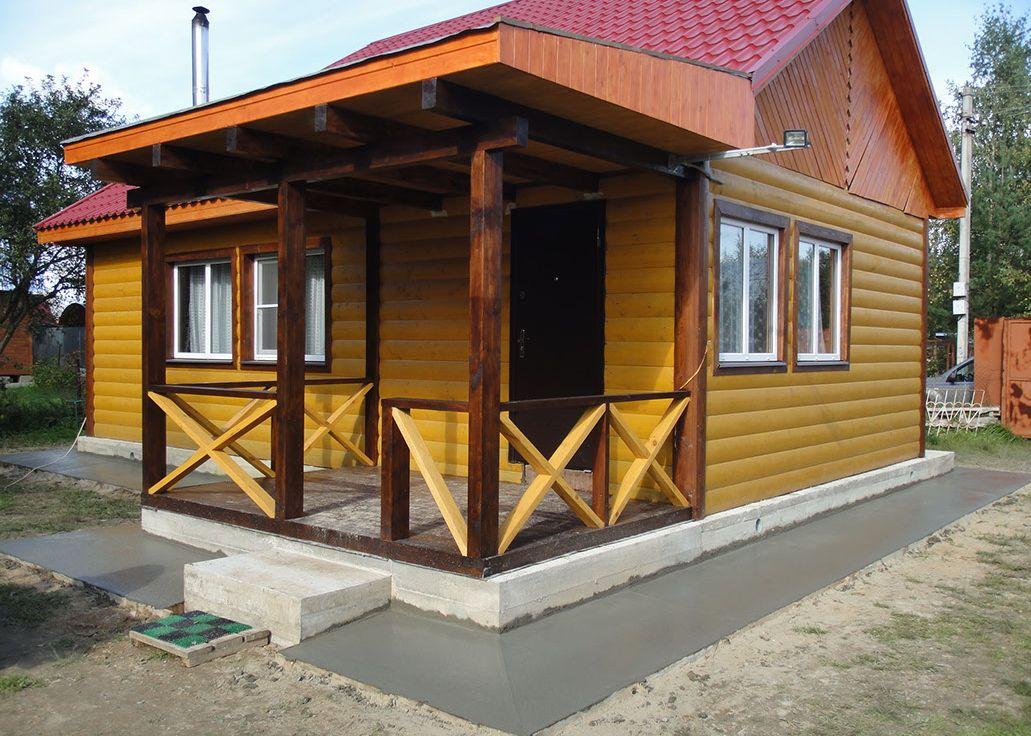 Отмостка дачного деревянного дома