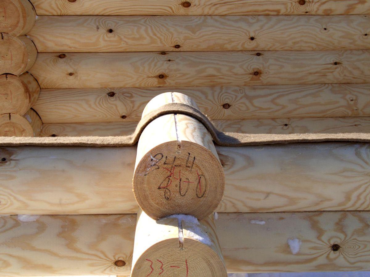 Утепление деревянного дома во время строительства