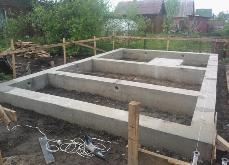 Установка сруба бани на фундамент