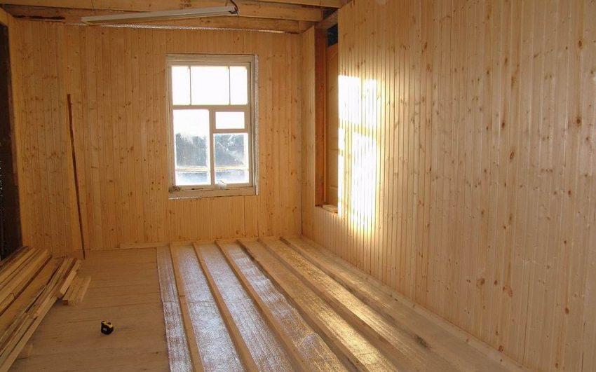 Утепление пола в деревянном доме изолоном